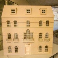 The Windsor House This Exquisitely luxurious Georgian mansion dolls house.